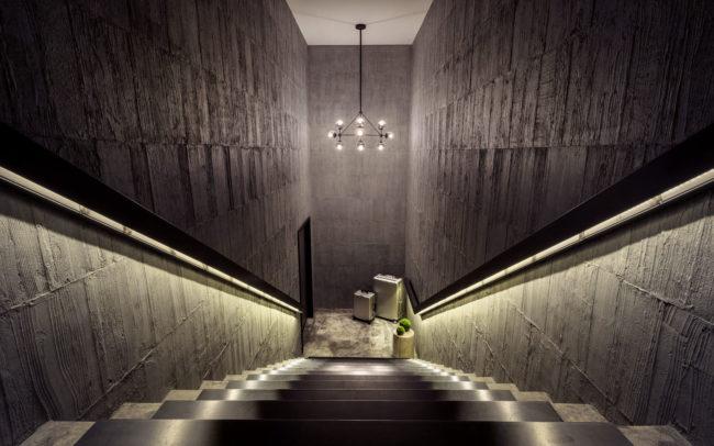 樓梯間角度拍攝